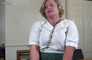 Payudara Juicy siap untuk mom bokep hot penyiksaan
