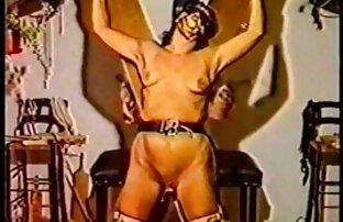 Lengannya terikat erat bokep mom barat di belakang punggungnya, pergelangan tangannya diikat.